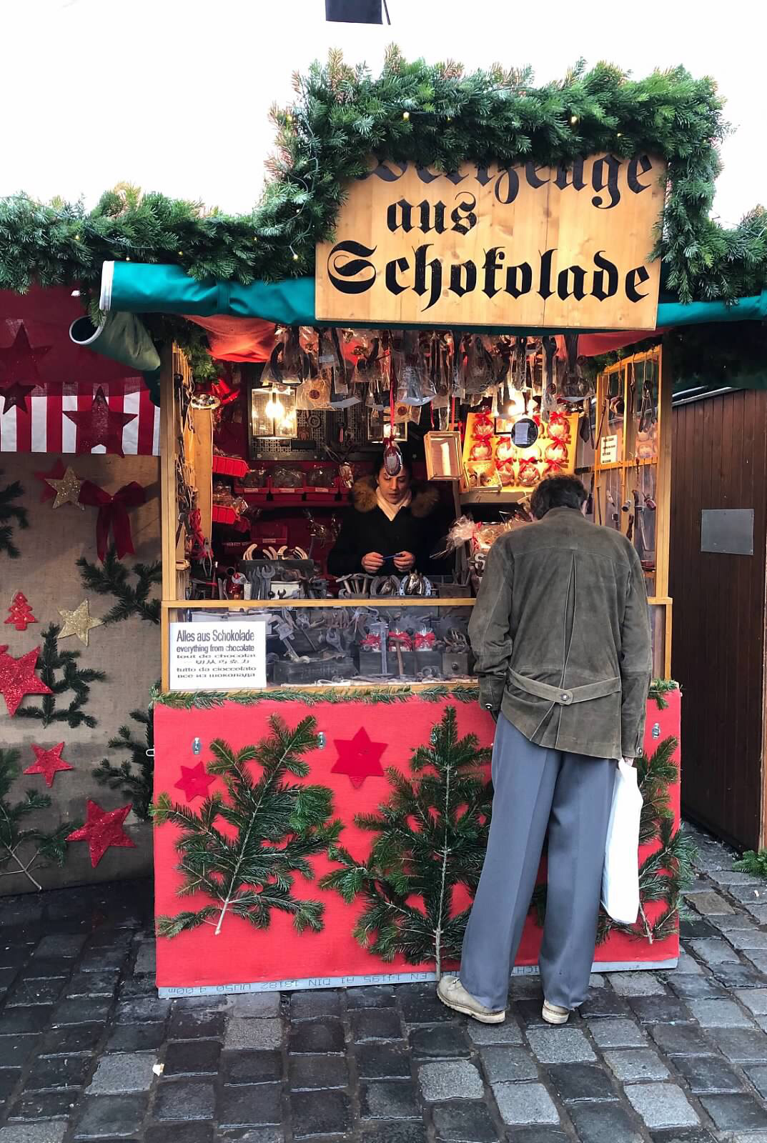 cobblestone street, christmas market, Danube River cruise