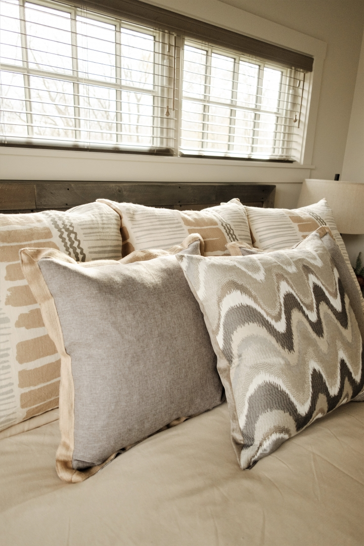 We also work with high-quality, ready-made pillows like these. Photo by www.mattwarren.photography