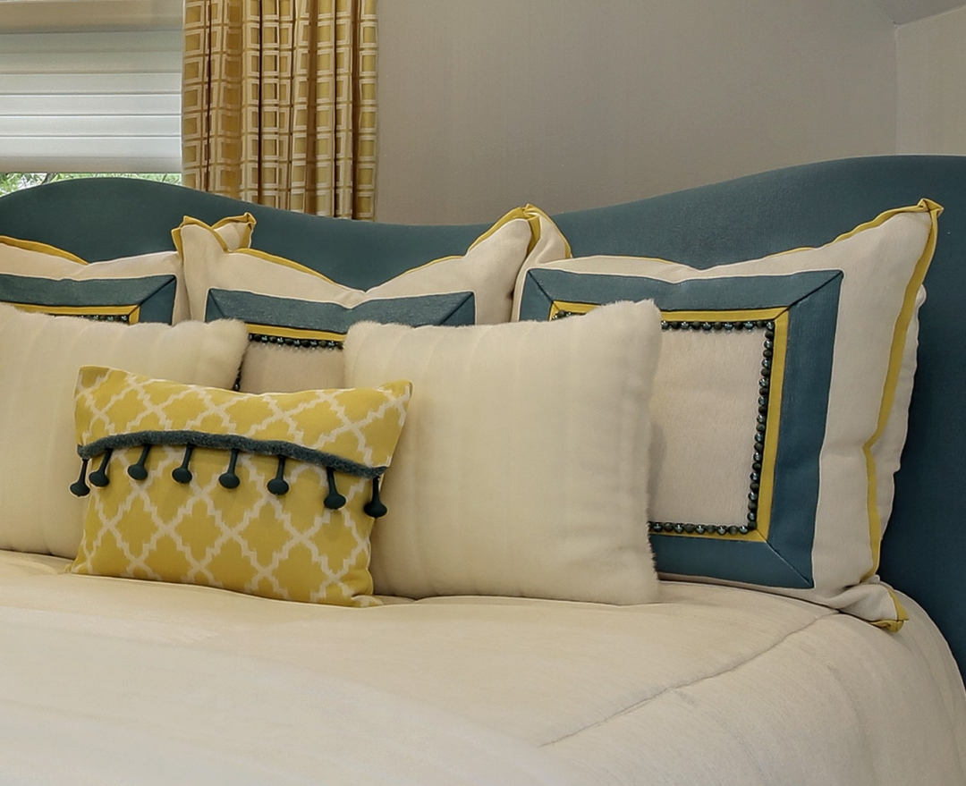 Pillows can be easily swapped out to change the look and mood of a room. Photo by www.lmphotography.com